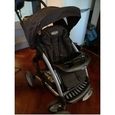 Graco Stroller with versatile Carry seat