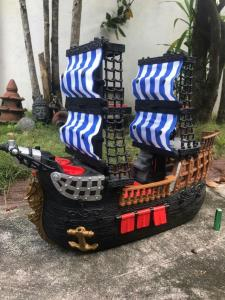 Cannon launcher Pirate Ship by Fisher Price