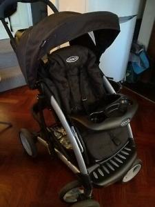 Graco Stroller with single hand foldable function